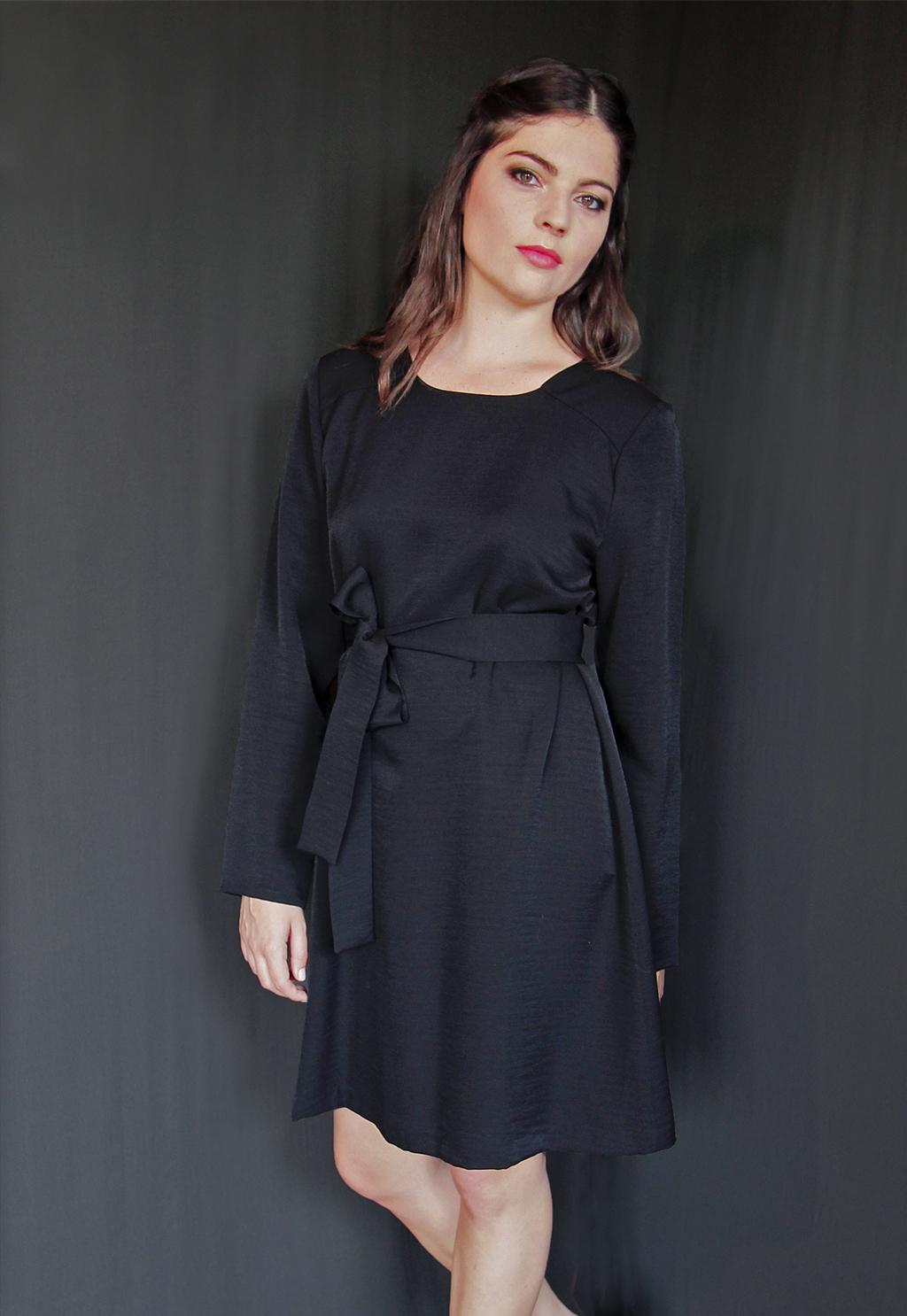 a4a009b864c Robe Noire Chic Cocktail Soirée Mariage Créateur SOLENE MARTIN