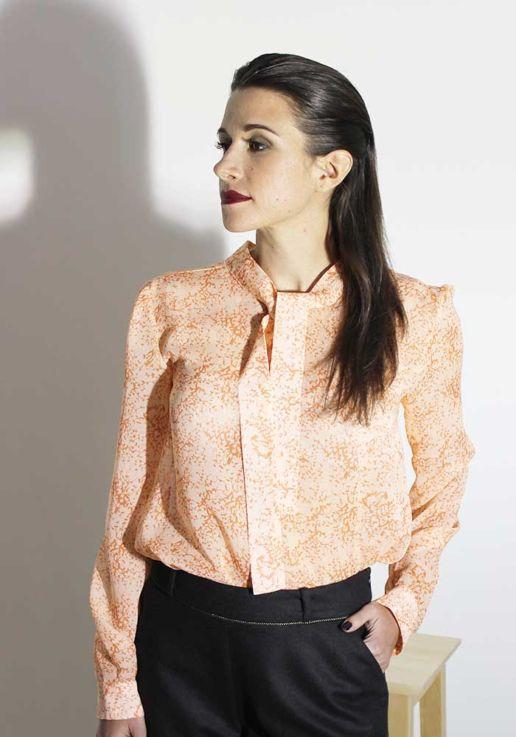Blouse en voile de soie imprimé fleurs orange créateur Paris mode femme SOLENE MARTIN