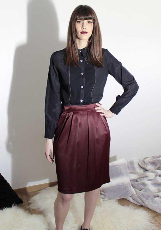 Chemise en viscose noire et jupe bordeaux créateur Paris mode femme SOLENE MARTIN