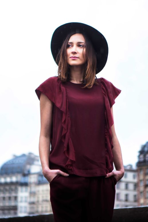 Blouse bordeaux à volant mode créateur femme Paris