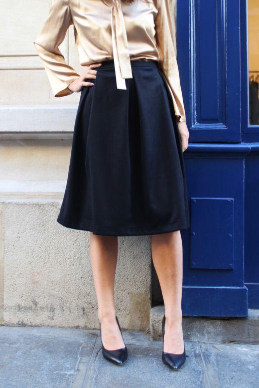 Jupe à plis en laine noire mode créateur femme Paris